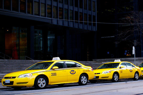 Getting Around Toronto by Taxi